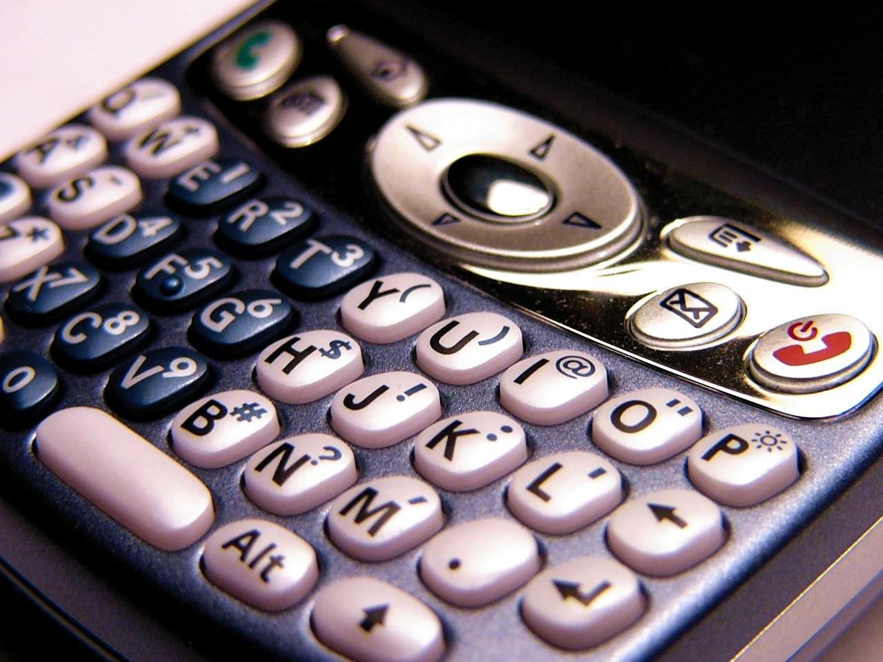 Telefon z GPS-em